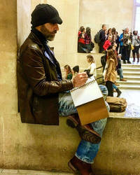 Sketching in the Louvre by ssava