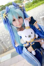 Vocaloid - Snow Hatsune Miku by Xeno-Photography