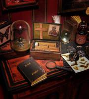 Miniature VAMPIRE HUNTER Case 01 by AnnaBellLeeArt