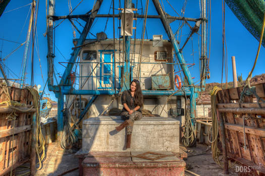 En los barcos pesqueros. by DorianOrendain