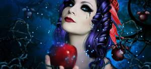 Beautiful Snow White by MelFeanen