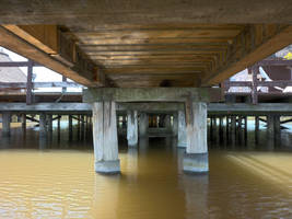 under the pier hdr by glanthor-reviol