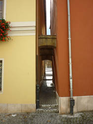 Narrow alley-way, Gyor by glanthor-reviol