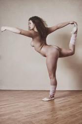 Naked dancer I by Suitcasefotografie
