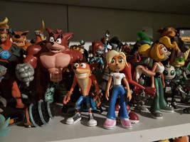 Bandicoot Team figures by Lurking-Leanne
