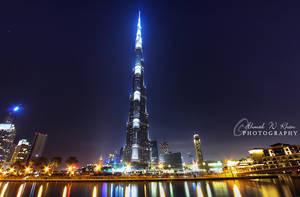 Burj Khalifa by night by ahmedwkhan