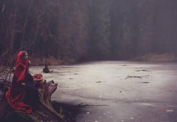 Red Ridding Hood by DASTPHOTO