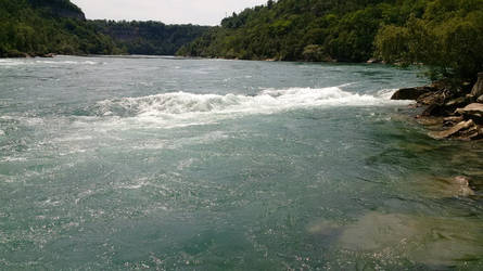 Niagara River - Edge of the Water by ironicgiant