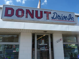DONUT DRIVE-IN by RonTheTurtleman