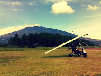 Lonely glider by zakyotics