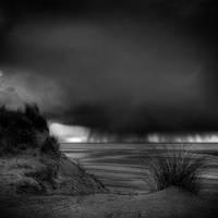 Distant by NicolasEvariste