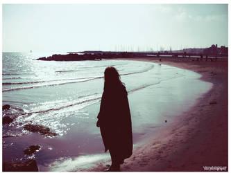 di attese senza poesia. by neralune