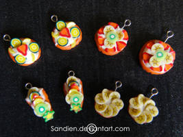 Polymer cake charms by Sandien