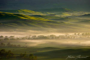 Tuscany sunrise by XavierJamonet