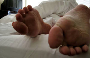 5 More Minutes by Pies-Toes-N-Soles