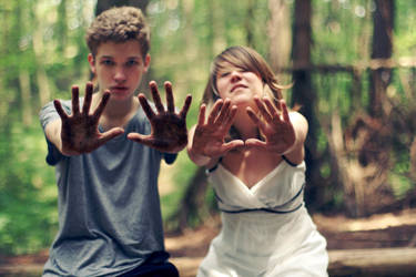 hands - ID by NikolasBrummer