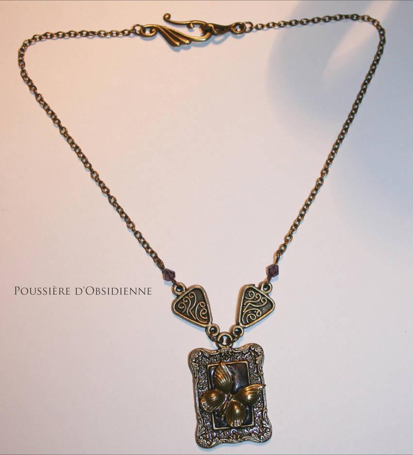 Collier Papillon de bronze by PoussiereObsidienne