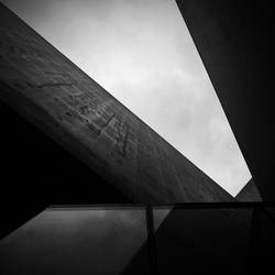 Sharp Angles by AlexandruCrisan