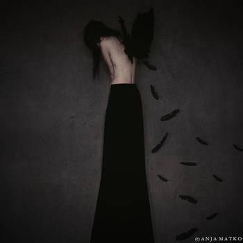 Fallen Angel by CrazyGirL44