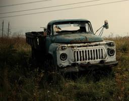 Abandoned Truck by MissLumikki