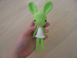 Toy #40 : Green bunny by Poolvos