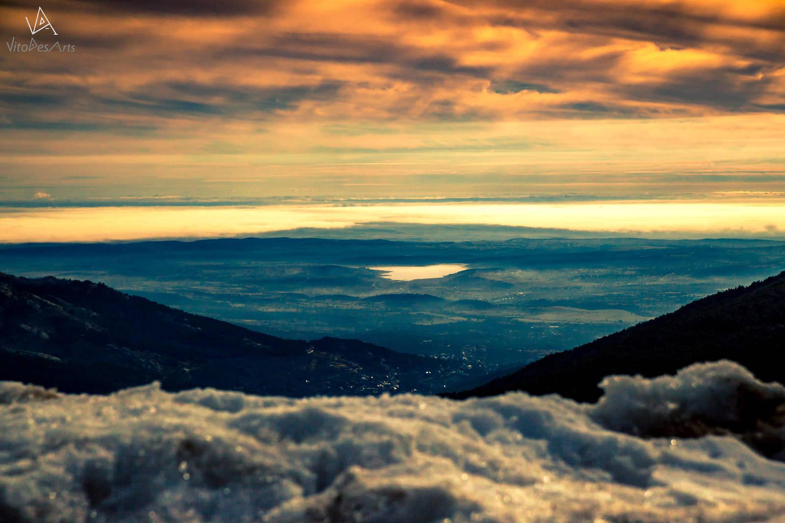 Morning fog by VitoDesArts