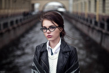 Brina by livingloudphoto