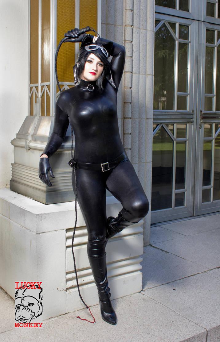 Catwoman in Gotham by Pokypandas