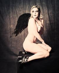 Black Wing Angel by gstarene