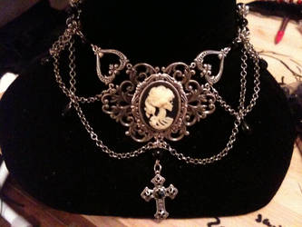 lady death neckless by MarKiZ-is-Fragile