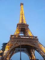 Eiffel Tower by skeletonpicnic