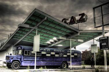 Super Disco Bus by poilaumenton