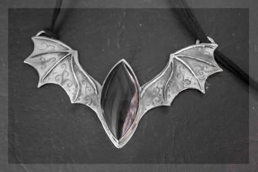 Dragon bat choker 2 by BichoBolita