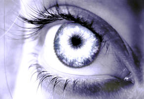 1st photo manipulation:eye by sumie-the-second-300