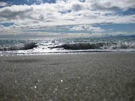 Tiny Waves by TehFeeesh
