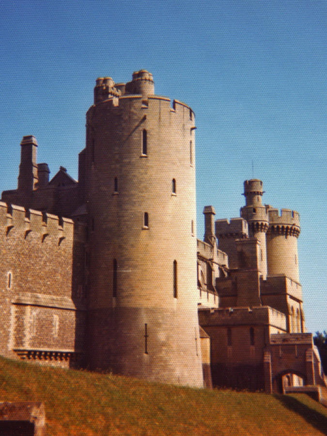 Arundel Castle by AlberichPotter
