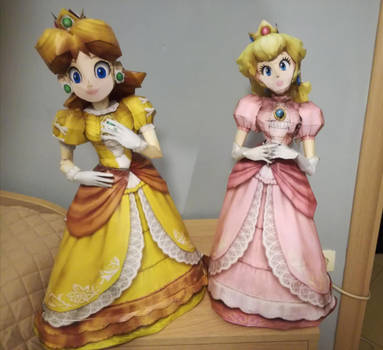 Princess Peach and Princess Daisy Papercraft by Carageomodels