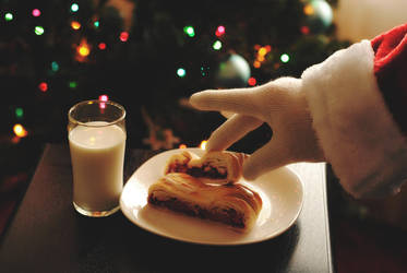 Santa Loves Sweets by KG8807