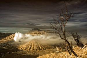 Sacred Mountain by melintir