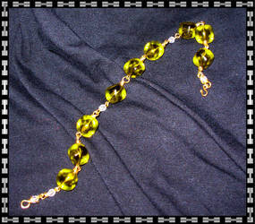 Smaragd Drops Bracelet by EiljaGorgor