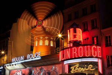 Moulin Rouge by wolfgatephotography