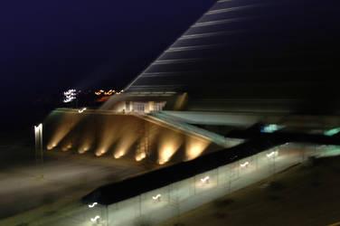 Die Pyramide vor Sonnenaufgang by amittlmr