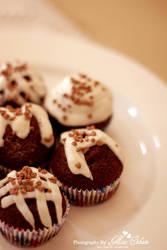 choco cupcake by miss-etikate