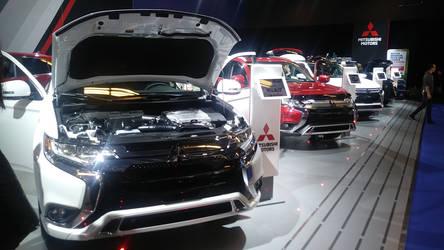 Lots of Mitsubishi SUVs by CartoonAnimeFan2000