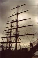Dark boat... The Black Pearl? by Zazou8