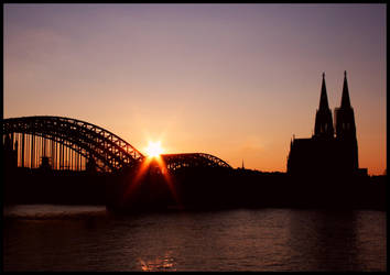 Cologne Sunset by vesparia