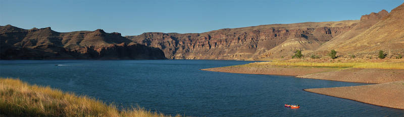 Lake Owyhee State Park by eRality