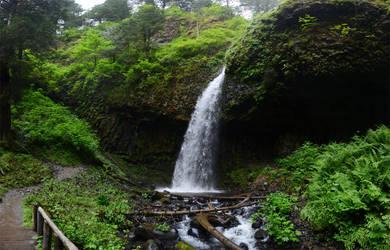 Latourell Falls 2011-06-22 3 by eRality