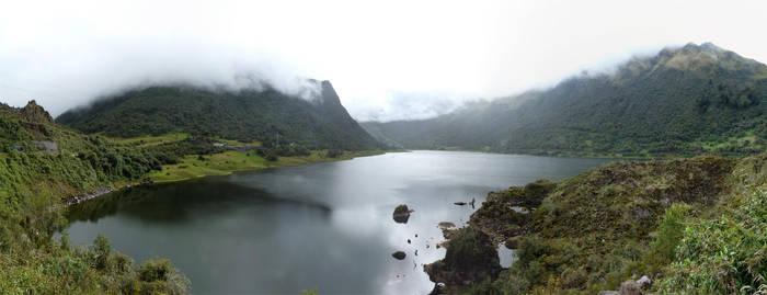 Ecuador Laguna de Papallacta 2012-05-06 by eRality
