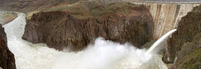 Lake Owyhee Dam 2006-04-08 by eRality